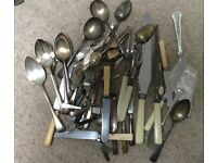 MIXED VINTAGE CUTLERY