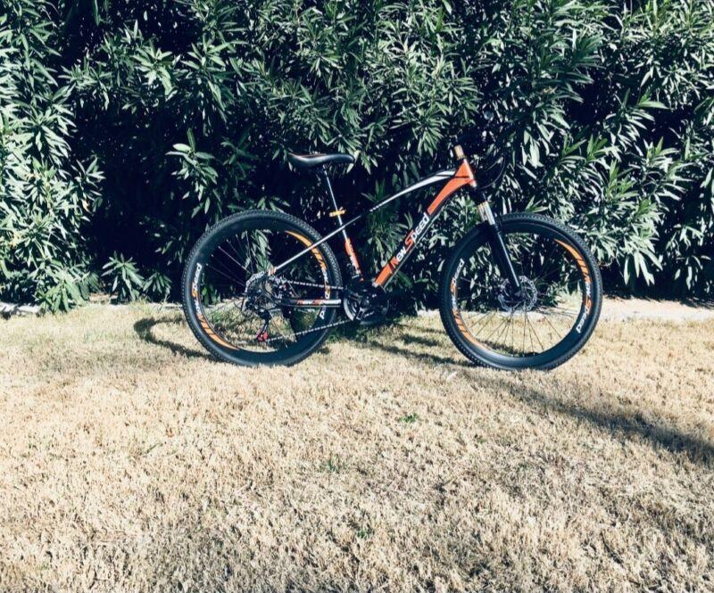 NEW MOUNTAIN BIKE MTB SHIMANO 21 SPEED HARDTAIL 26x17 - AUTHENTIC!