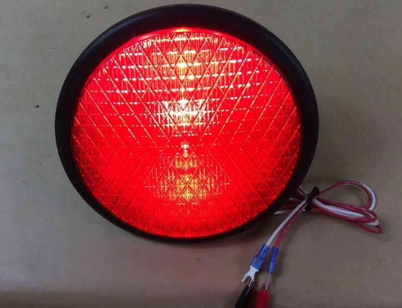 "NEW  DIALIGHT  8"" DIAMETER LED RED w/gasket. 433-1110-003XL Traffic Light Signal"