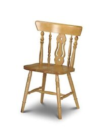 Kitchen chairs, 2. Pine solid wood finish, light wood.