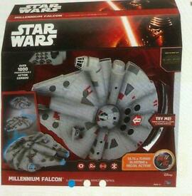 Large star wars millenuim falcon brand new