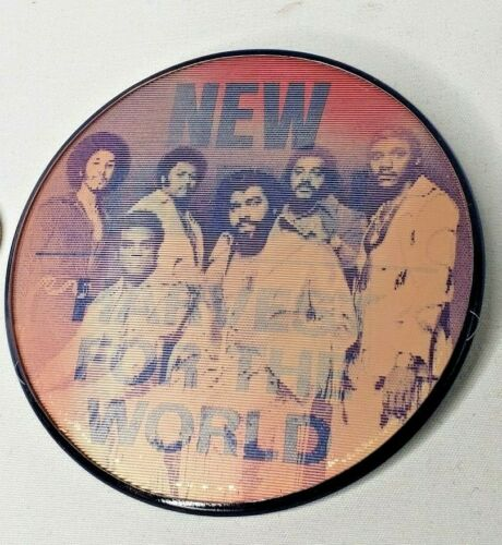 "Vtg 1976 Isley Brothers Harvest for the World Lenticular Button Pin 3"" Pinback"