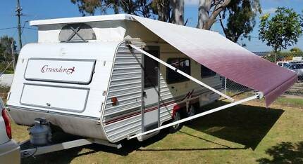 MONARCH 19ft CARAVAN, AIRCON, AWNING, DUAL AXLE, SINGLE BEDS