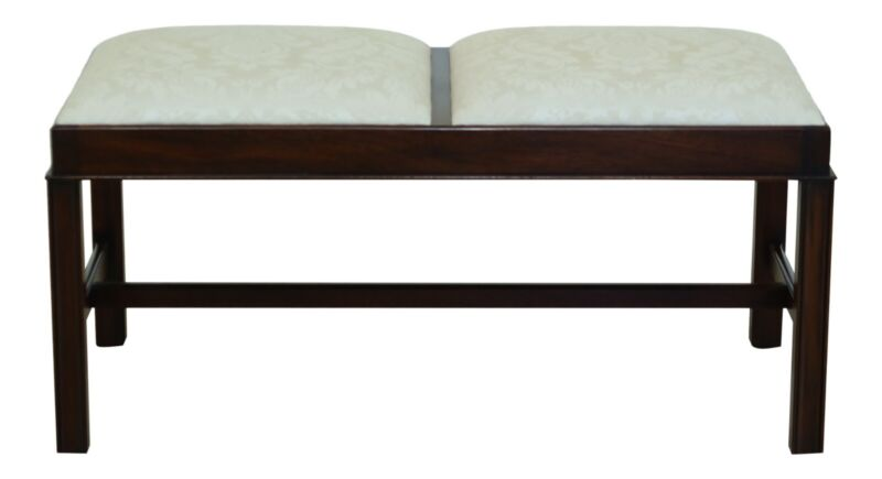 L49486EC: HENKEL HARRIS Chippendale Mahogany Bed Or Window Bench