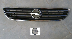 Opel grill and Opel badge for Zafira 2001 Endeavour Hills Casey Area Preview
