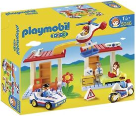 Playmobil 5046 Play Set Hospital with Paramedics and Police Officers - New