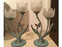 Tea light candle holders (pair) shaped as white flowers, excellent cond.