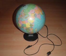Illuminated WORLD GLOBE Lamp Vintage Retro