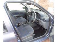Renault Clio Alize 5 Door Hatchback blue