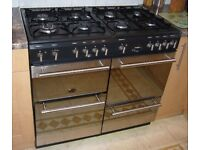 CANNON ICON 1000 Double oven with grill and eight hobs.