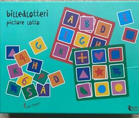 Picture puzzle for children 2-4 years old