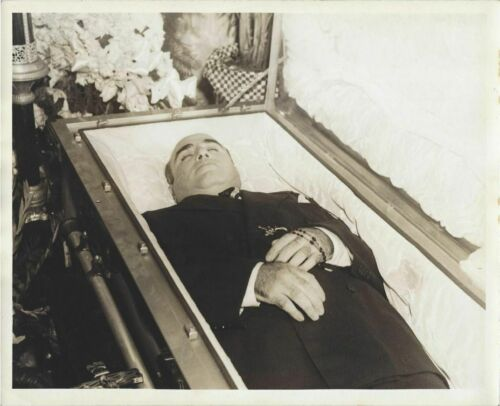 Capone in casket, Mafia, vintage photo reproduction High quality 141