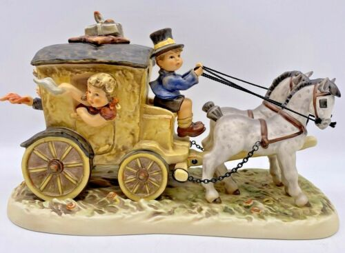 Hummel Figurine Fond Goodbye 660 Century Collection Mint in Box with COA