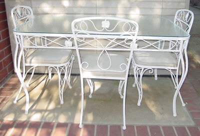 VINTAGE ORNATE WHITE 5 PIECE PATIO DINING TABLE SET WROUGHT IRON POWDER COATED