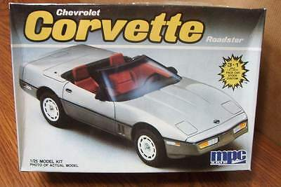 Mpc Chevrolet Corvette Roadster 1/25 Scale Model Kit