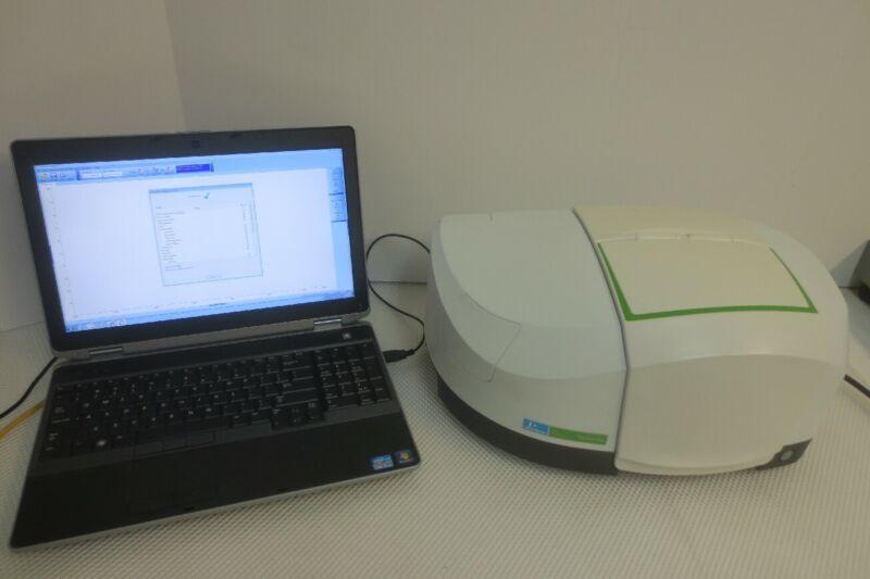 Perkin Elmer Spectrum Two FT-IR Spectrometer LiTa with Laptop