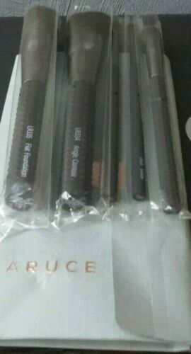 LARUCE MAKEUP BRUSH 5 PIECE SET WITH CASE