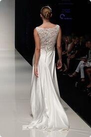Elegant ivory designer wedding dress - size 12 - Charlotte Balbier