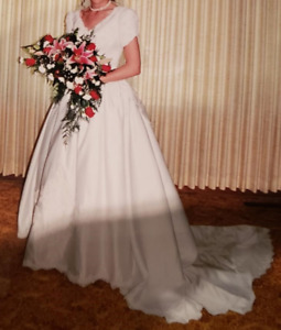 Alfred Angelo Wedding Dress - Size 10/12