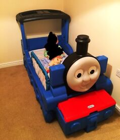 Thomas the tank engine bed, unit / cube storage and rug
