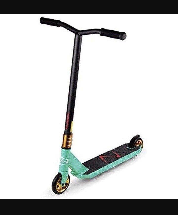 Brand new in box Fuzion stunt scooter