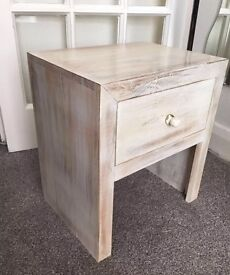 MANGO WOOD BEDSIDE TABLE ONE DRAWER IN NATURAL FINISH