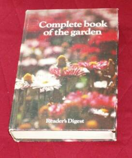 Readers digest complete do it yourself manual textbooks 1973 complete book of the garden readers digest solutioingenieria Image collections