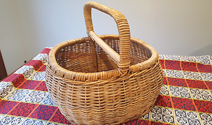 Large Wicker Basket with Handle Belrose Warringah Area Preview