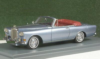 Der seltene Bentley Continental S III in blaumetallic von Neo Scale Models
