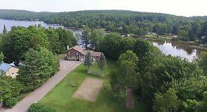 748 000$ Maison à vendre bord de l'eau lac Connely St-Hippolyte