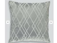 1 Pair of Cushions in Grey