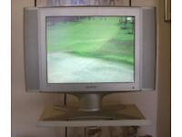 SAMSUNG 15 inch; TV & WALL BRACKET Quality Image. Unused in spare bedroom.