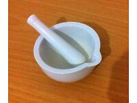 Ceramic Pestle and Mortar - white