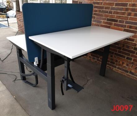 Gebrauchte Buromobel Aktenschrank Schreibtisch Drehstuhl Buro In