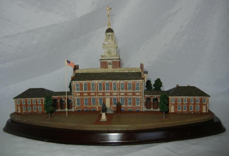 The Danbury Mint Independence Hall Philadelphia Scale Model Statue HTF RARE