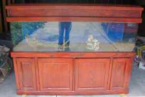 125 gallon aquarium fish tank oak stand and canopy lots of for 125 gallon fish tank stand