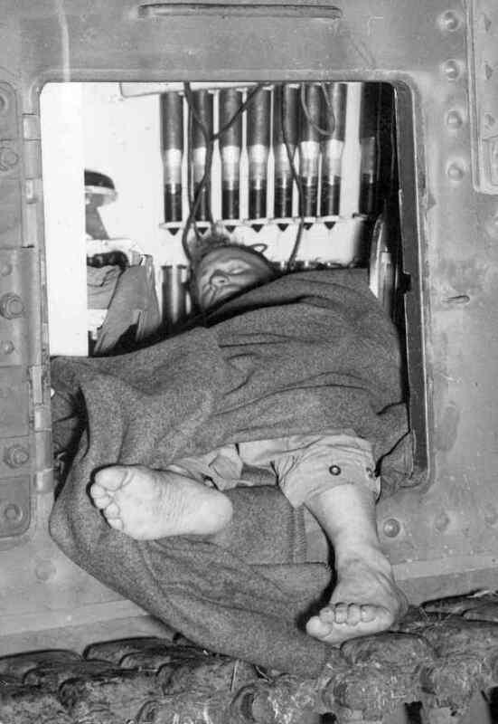 WW2  Photo Australian M3 Tank Bed Australia WWII World War Two ANZAC