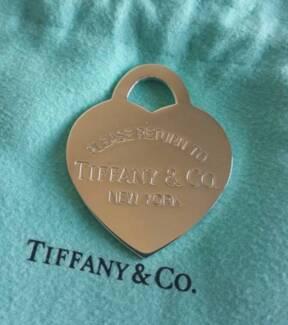 Brand new! Rare Tiffany & Co XL heart