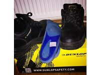 MAN DUNLOP SAFETY SHOES (8.5) WITH ORTHOPEDIC INSOLE