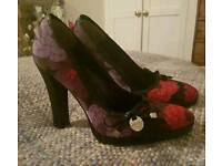 Karen millen size 3 high heels excellent condition hardly worn can post