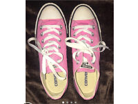 Pink low converse size 5