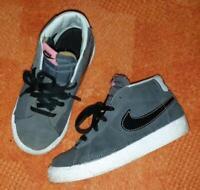 Nike Sneaker Gr. 27 Sachsen-Anhalt - Hecklingen Vorschau