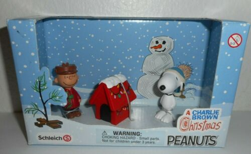 New SCHLEICH A Charlie Brown Christmas Scenery Pack Peanuts Snoopy Ornament