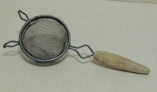 """Vintage Wire Mesh Strainer Handheld Metal Wood Handle 2 ¾"""" Basket Post 1935"""