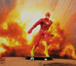 DC Comics Action Figure Universe The Flash Cake Topper ...