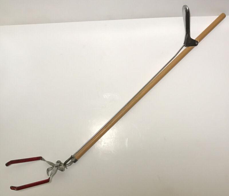 Vintage General Store Reach Tool Wood Metal Reacher Arm Claw Grabber Antique