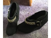 Size 4 new look wedge shoe boots