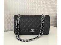 Stunning black Handbag