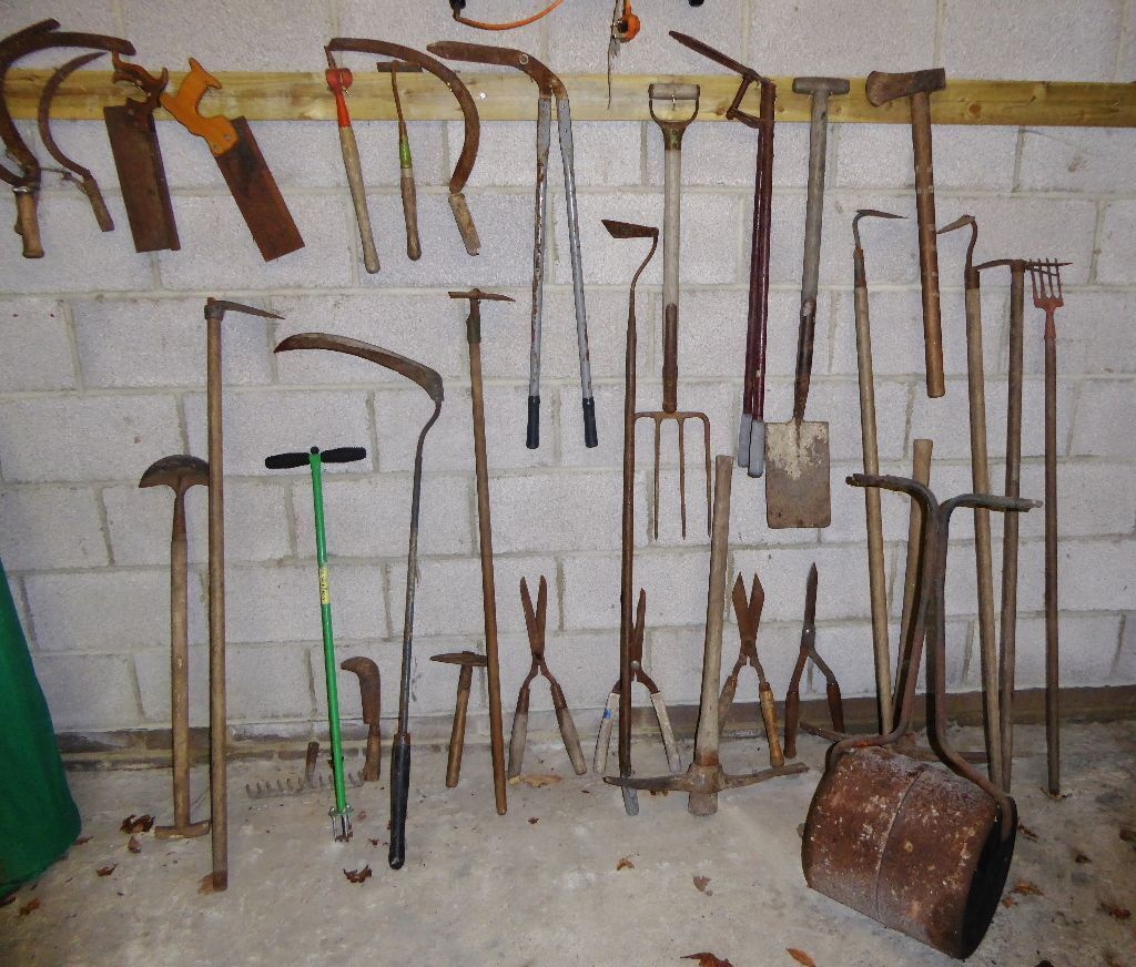 30 Pieces Vintage/antique Garden Tools