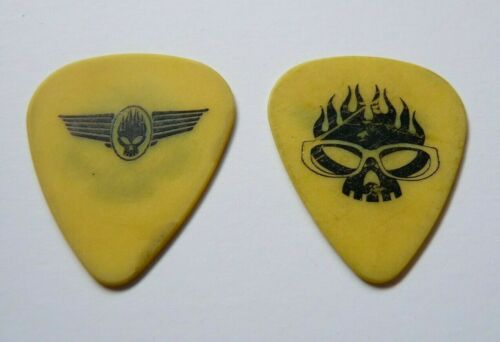 THE OFFSPRING VINTAGE BLACK ON YELLOW TOUR ISSUED GUITAR PICK BANDITO